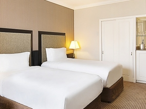 Standard Twin Hilton Guest Room