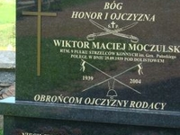 A monument of Captain of Cavalry - Moczulski