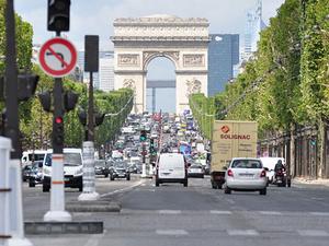 Private Tour: 2CV Champs Elysées Tour in Paris Photos