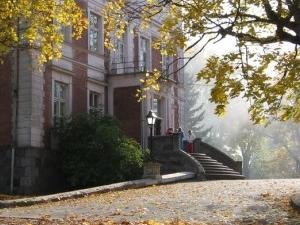 Bebrene manor and park