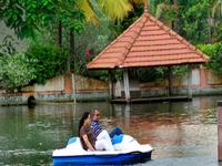 Lake Palace Luxury Backwater Resort