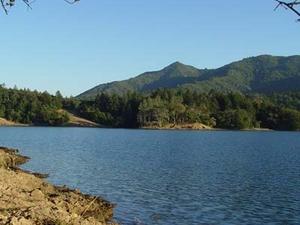 Bon Tempe Lake