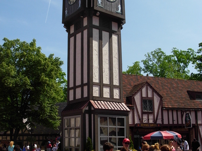 Clock Tower In Banbury Crossing