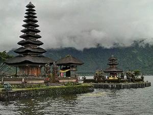 Cool Mountain & Lake Temple Photos