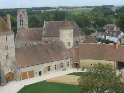 Courtyard Blandy Les Tours