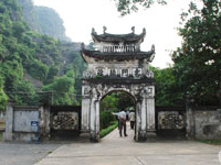 Dinh and Le Temples