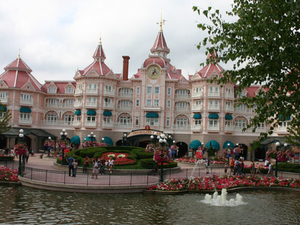 Private Transfer: Disneyland Resort Paris Photos