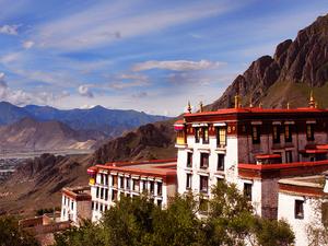 Kathmandu to Lhasa Tour via Everest Base Camp - 9 Days Photos
