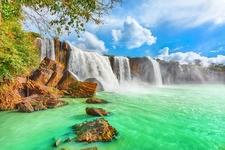 Dry Nur Waterfall