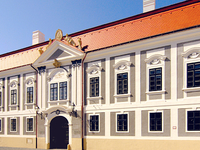 Dubniczay-House