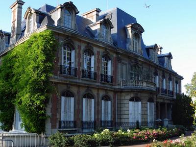 Gonesse Hotel De Ville