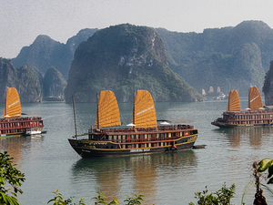 Ha Long Bay on Golden Lotus Cruise with Kayaking