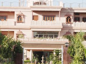 Hotel Master's Paradise