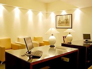 Sterling Suites - Boutique Serviced Apartments