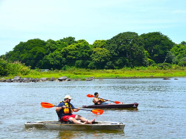 Kayak Tour on Nicaragua Lake from Managua or Granada Photos