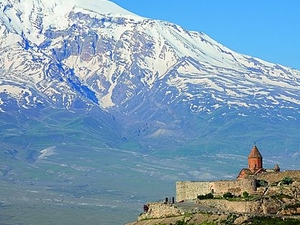 Khor Virap Monastery and Noravank Monastery Photos