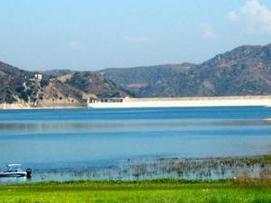 Lake Irvine
