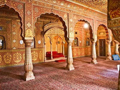 Maharajah Room In Orchha
