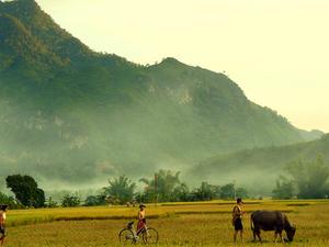 Discover Mai Chau, Hoa Binh Photos