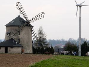 Łowkowice Windmill