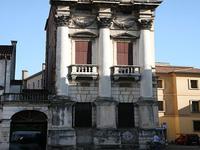 Palazzo Porto in Piazza Castello