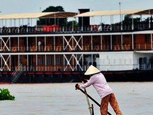 Pandaw Cruise - Saigon - Siem Reap 8 Days/ 7 Nights Photos