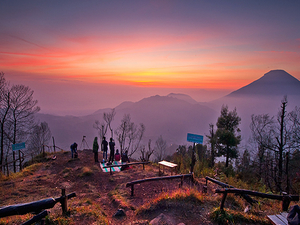 Punthuk Setumbu Sunrise Package Photos