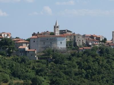 Plomin Town