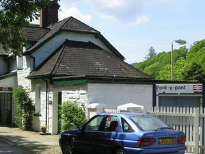 Pont y Pant Railway Station