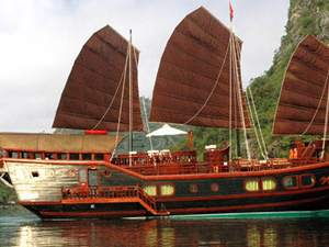 Red Dragon Cruises 2 Days Photos