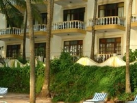 Bambolim Beach Resort - Right on the beach