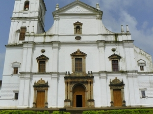 Private Portuguese Heritage Tour: Se Cathedral, Basilica Of Bom Jesus & Dona Paula Beach In Goa Photos