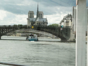 Seine River Cruise: Bateaux Parisiens Sightseeing Cruise Photos