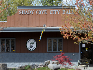 Shady Cove