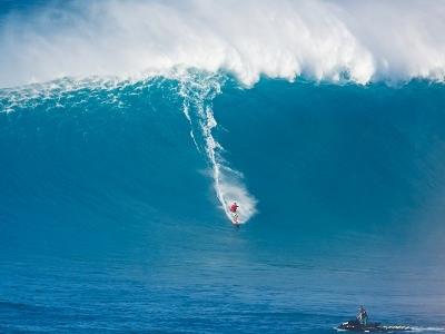 Surfing At Maui - Hawaii