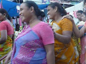 Teen Darwaza Market