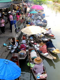Tha Ka Floating Market [Posted By - Jensen Chua]