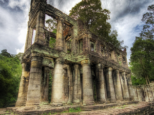 Beng Mealea and Koh Ker Tour Photos