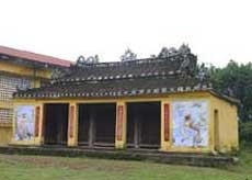 Tuy Loan Communal House