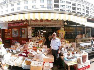 Small-Group Food Tour of Naschmarkt in Vienna Photos