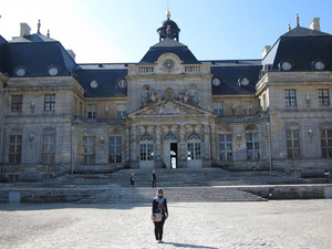 Chateaux de Fontainebleau and Vaux le Vicomte Day Trip from Paris Photos