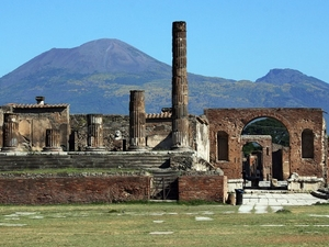 Rome to Pompeii Shuttle Bus & Independent Day Trip Photos
