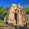 Avukana Estatua de Buda