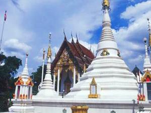 Wat Chompuwek