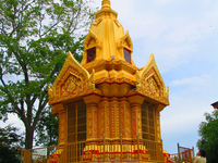 Wat Khao Takhrao