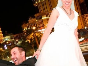 A Las Vegas Wedding with chapelle de l'amour Photos