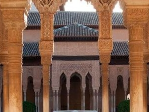 Alhambra guided tour (transport included) Photos