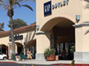 Camarillo Premium Outlets Photos