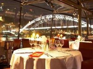 Dinner Cruise On the Seine River - 8:30pm - SERVICE PREMIER - Photos