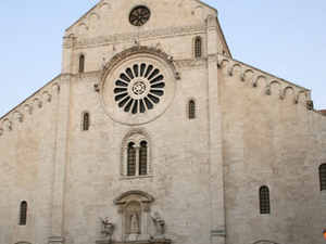 Discovering the capital of Puglia: Bari old town Photos